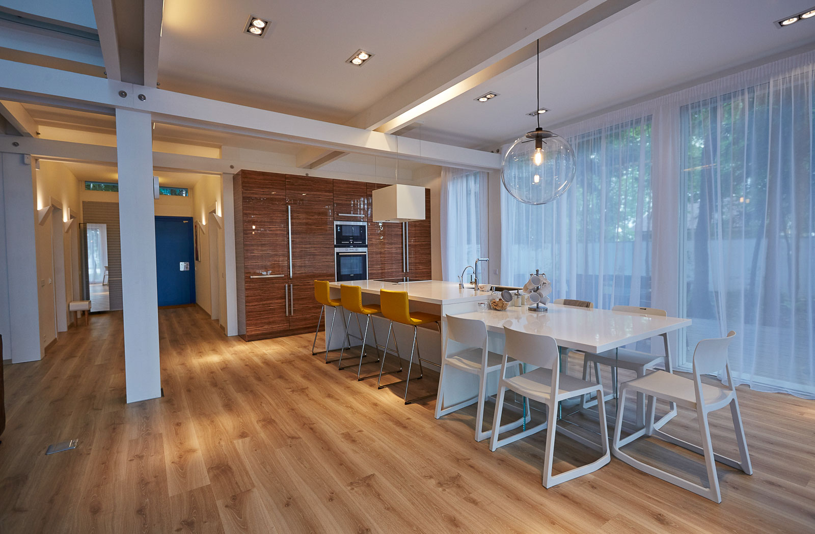 Kitchen island and dinning table in one